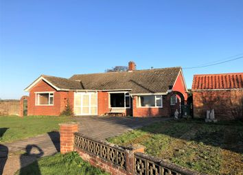3 bed detached bungalow for sale in Wangford Road, Reydon, Southwold IP18