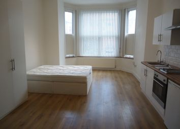 Thumbnail Studio to rent in 11, Princes Avenue, Muswell Hill