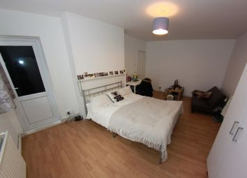 Thumbnail 4 bed shared accommodation to rent in Christian Street, London
