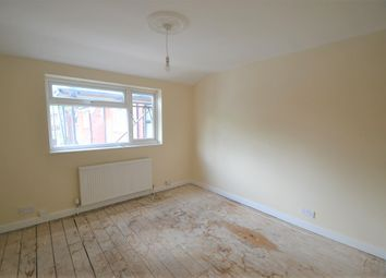 4 bed property to rent in Summers Close, Wembley HA9