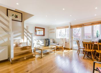 Thumbnail 2 bed flat for sale in Amsterdam Road, Canary Wharf