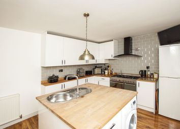 3 bed property for sale in Goose Green, Yate, Bristol BS37