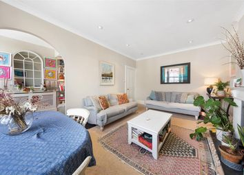 3 bed flat to rent in Marloes Road, London W8
