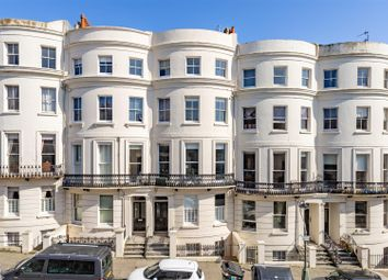Lansdowne Place, Hove BN3. 2 bed flat for sale