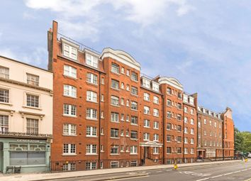 Knollys House, 39 Tavistock Place, Bloomsbury, London WC1H. 2 bed flat
