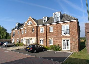 Thumbnail 1 bedroom flat to rent in Wolfe Close, Chichester