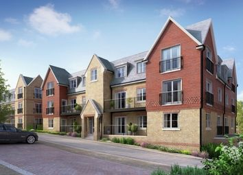 Thumbnail 2 bed flat for sale in Woodland Avenue, Dunton Green, Sevenoaks
