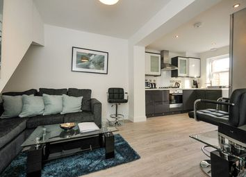 Thumbnail 2 bed flat to rent in College Road, Bromley
