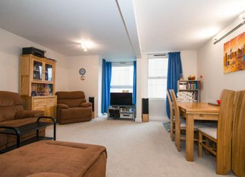 Thumbnail 2 bed flat for sale in Peregrine House, Battersea