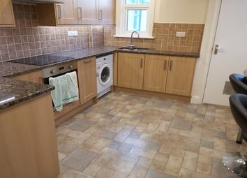 3 bed flat to rent in Old Bath Road, Cheltenham GL53