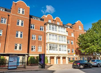 Thumbnail Flat for sale in North Finchley, London