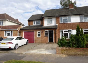 Thumbnail Room to rent in Falstaff Avenue, Earley, Reading
