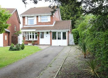 Thumbnail 3 bed detached house to rent in Kingsford Close, Woodley, Reading