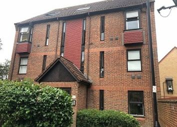 1 bed maisonette to rent in Pilgrims Close, London N13