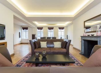 Thumbnail 3 bed flat to rent in Grosvenor Square, Mayfair