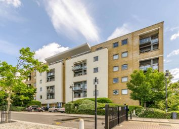 Thumbnail 2 bed flat for sale in Maritime Quay, Canary Wharf, London