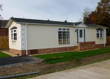Thumbnail 2 bed mobile/park home for sale in Landa Grove Park, Welbeck Place, Tuxford, Newark