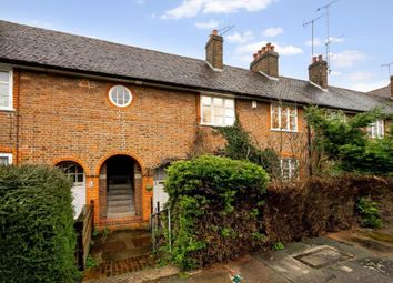 Addison Way, Hampstead Garden Suburb, London NW11. 1 bed maisonette