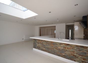5 bed semi-detached house to rent in Roding Lane North, Woodford Green IG8