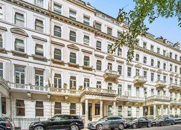Thumbnail 2 bedroom flat for sale in Queen's Gate Gardens, London