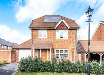 Thumbnail 4 bedroom detached house for sale in Hawthorn Way, Billingshurst