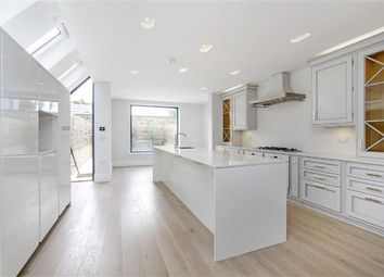 Thumbnail 6 bed property to rent in Bovingdon Road, Fulham