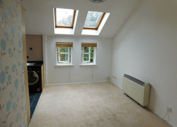 Thumbnail 1 bed flat to rent in Hasletts Close, Tunbridge Wells