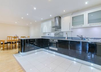 2 bed flat to rent in Meridian Place, Canary Wharf, London E14