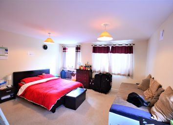 Thumbnail 2 bed flat to rent in Saffron Gate, Hove