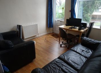 Thumbnail 3 bedroom flat to rent in Hollybank, Leeds