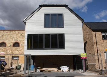 Thumbnail Studio to rent in Cromwell Court, New Road, St Ives