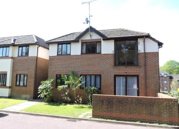 Thumbnail 2 bedroom flat for sale in London Road, Loudwater, High Wycombe