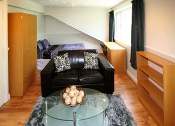 Thumbnail 1 bed property to rent in Flat 6, 252 Vinery Road, Leeds