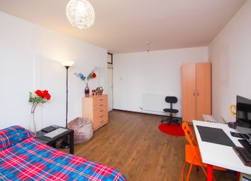 Thumbnail Room to rent in Cable Street, Tower Bridge