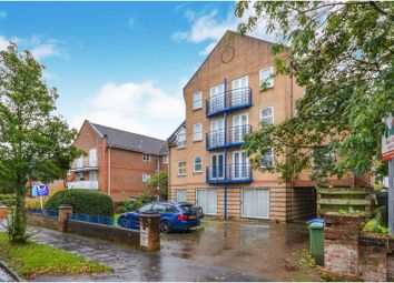 Thumbnail 1 bed flat to rent in 52 Westwood Road, Southampton