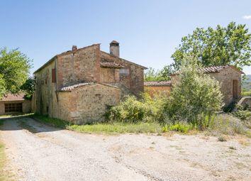 Thumbnail Farm for sale in Strada Comunale S. Paterno, Castelnuovo Berardenga, Siena, Italy