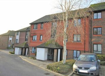 2 bed flat for sale in 9 Woodhams Close, Battle, East Sussex TN33