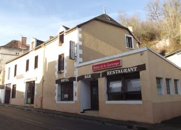 Thumbnail Pub/bar for sale in St-Pierre-De-Maille, Vienne, France