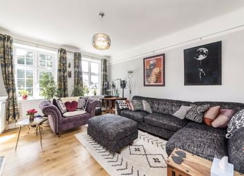 Brixton Hill, London SW2. 4 bed flat