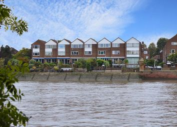 Thumbnail 4 bed town house for sale in Chiswick Staithe, Chiswick