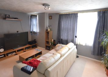 Thumbnail 2 bed flat to rent in Elm Park, Reading