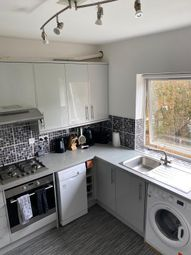 2 bed flat for sale in Ref: Ma - Farningham Road, Caterham CR3