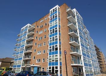Thumbnail 2 bed flat to rent in Kingsway, Hove