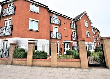 Thumbnail 2 bedroom flat for sale in Oakside Court, Fencepice Road, Ilford
