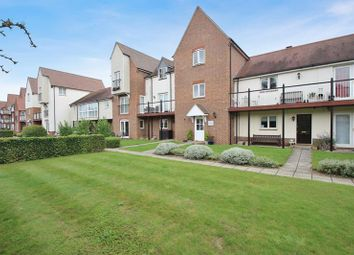 Thumbnail 3 bed flat for sale in Marina Way, Abingdon