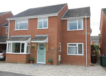 Thumbnail 4 bed detached house for sale in The Moorlands, Kidlington