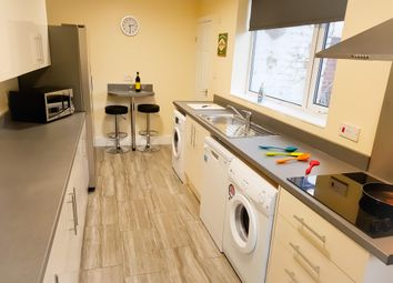 Thumbnail Room to rent in Lowfield Road, Stockport