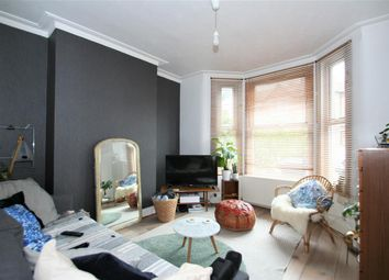 Thumbnail 1 bed flat to rent in Squires Lane N3, Finchley Central