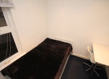 Thumbnail Room to rent in Beamsley Place, Hyde Park