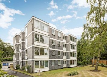 Thumbnail 3 bedroom flat for sale in Queens Ride, Barnes, London